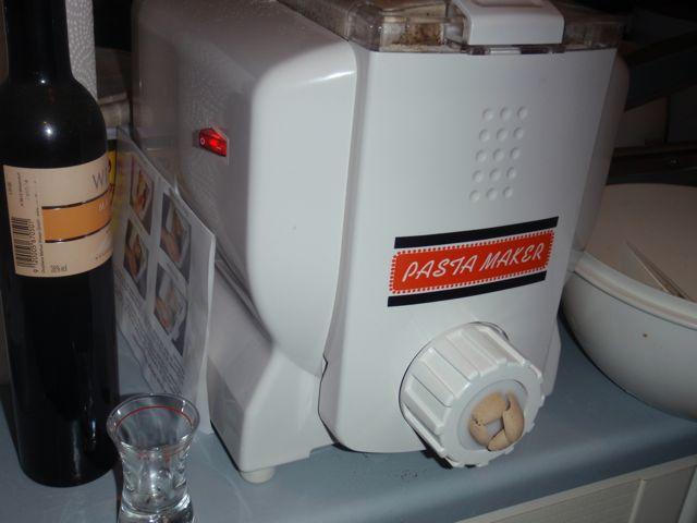bauer vs pasta maker pilzzucht pilze selber z chten. Black Bedroom Furniture Sets. Home Design Ideas